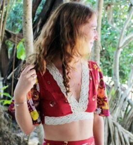 Hippie Crop Top Rot Häkelbesatz