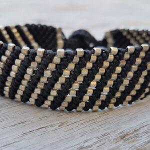 Breites Makramee Armband schwarz - silber - Hippie Tribal Schmuck