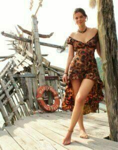 Saloon Kleid asymetrisch Baumwolle Kleid Sonnenblumen Kleid mit Schleppe Sonnenblumenmuster Boho Kleid Sonnenblumen Sunflower Dress Festival Style Schleppenkleid Sonnenblumen Print Kleid Asymetrisches Kleid mit Sonnenblumenprint Sonnenblumenkleid Sommer Boho Hippie Kleid mit Sonnenblumen Batik Print Baumwollkleid Sonnenblumen Kleid