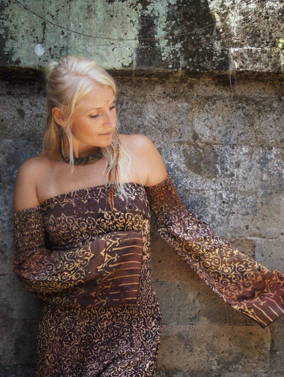 Boho Off Shoulder Maxi Kleid Maxikleid Batik Kleid Schlitz hippie festival Kleid lang Tropetenärmel Glocknärmel