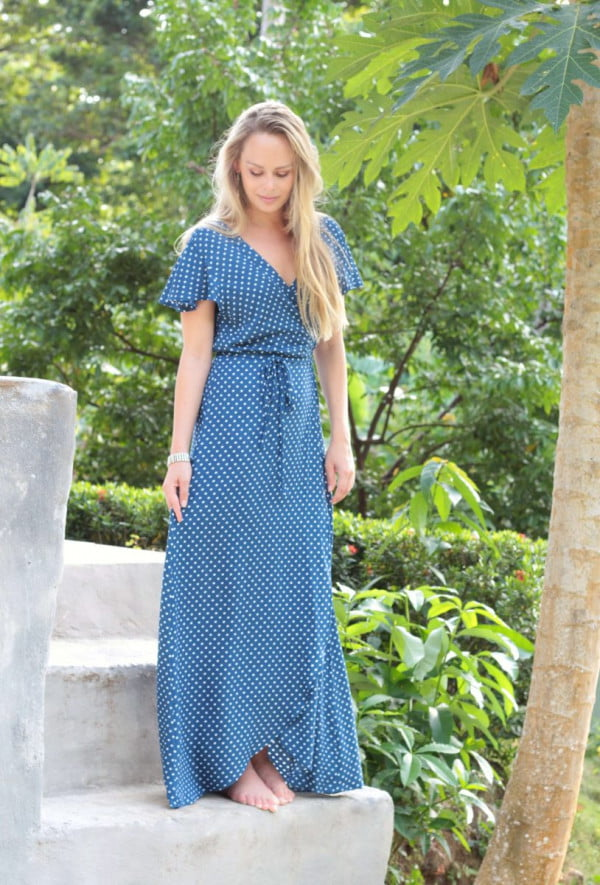 Wickelkleid lang Flatterhülse gepunktet Ibiza Style
