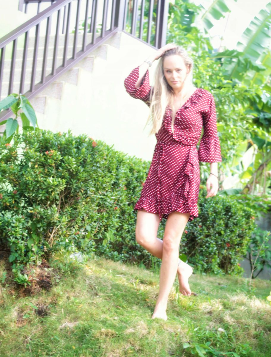 """polka dot wrap mini dress with flounce """"you give me fever"""" red -  weltentänzer berlin"""