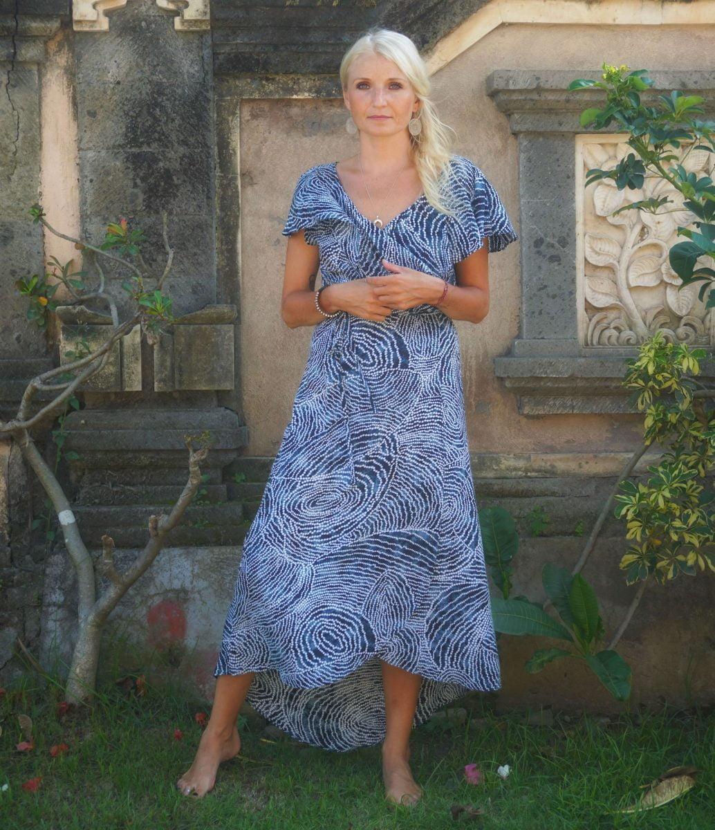 5bafd1275c70e Tupfenkleid Blau Weiß Sommerkleid Wickelkleid Strand Kleid Volant Maxi Kleid  lang