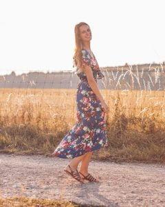 Blumen Wickelkleid Blau Gypsy Style - Boho Kleider - Boho Kleid Blumen Sommerkleid Boho Kleider Online Fair Trade Faire Mode Faire Boho Kleidung Wickelkleider Blumenmuster