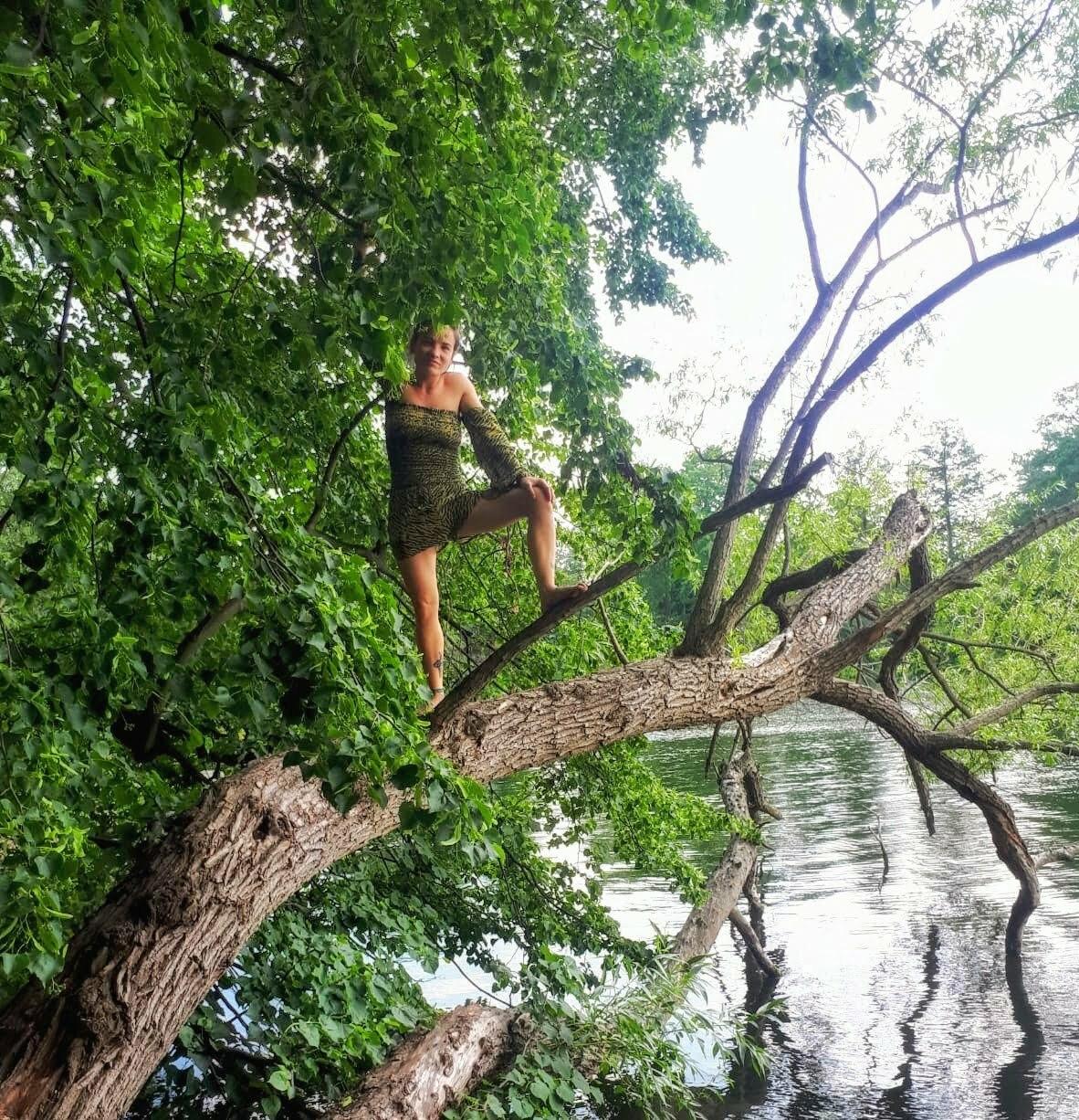 Jumpsuit unterschiedlich tragen Im Sommer zum See