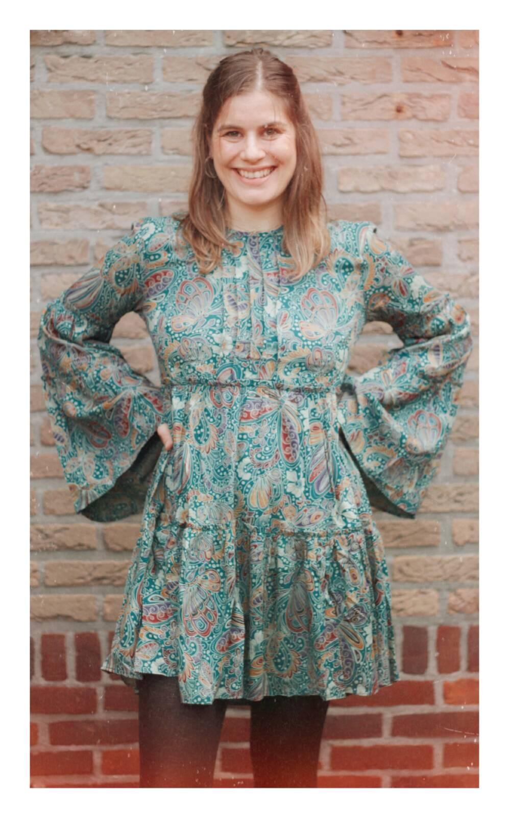 Rückenfreies Kleid Boho Kleid Langarm mit Trompetenärmel