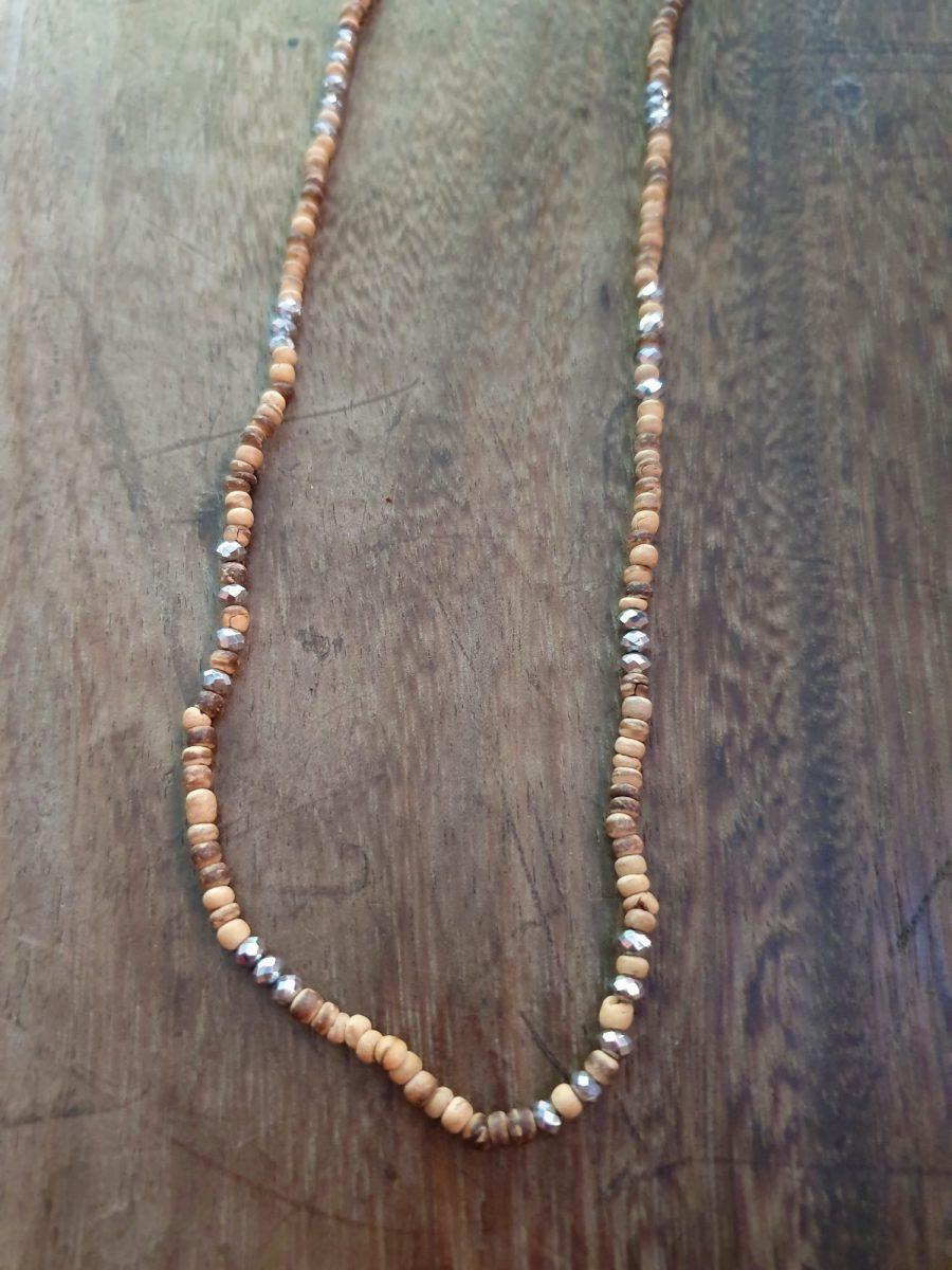 Brillenkette aus Holzperlen und silberne Glitzer Steinchen
