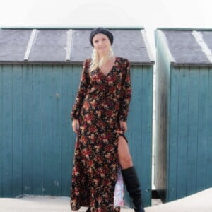 Boho Maxi Kleid Schwarz rote Blumen Muster Langärmelig