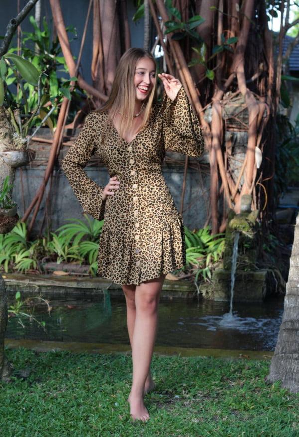 Boho Kleid Kurz mit Volantsaum langärmelig