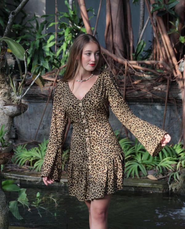 Leoparden Kleid Kurz mit Volantsaum langärmelig