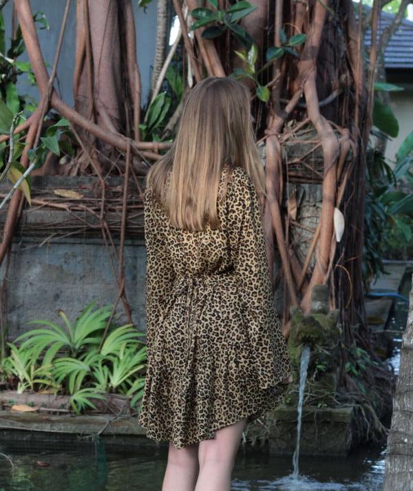 Kurzes Leoparden Kleid langarm
