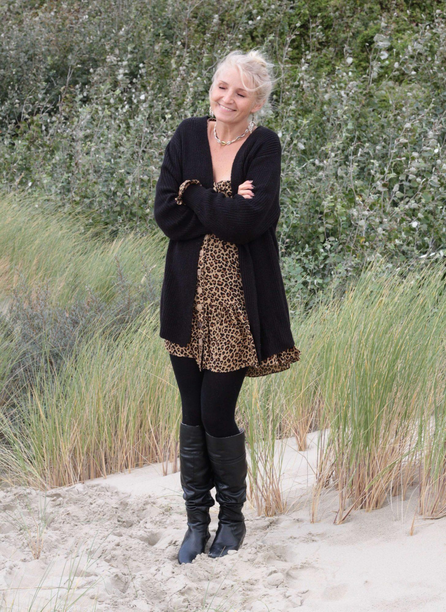 Leo Print Minikleid Boho Herbst Winter Kleid Kurz Langarm