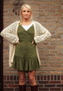 Boho Herbst Look - Netz Cardigan Lang - Beige - Wollweiss