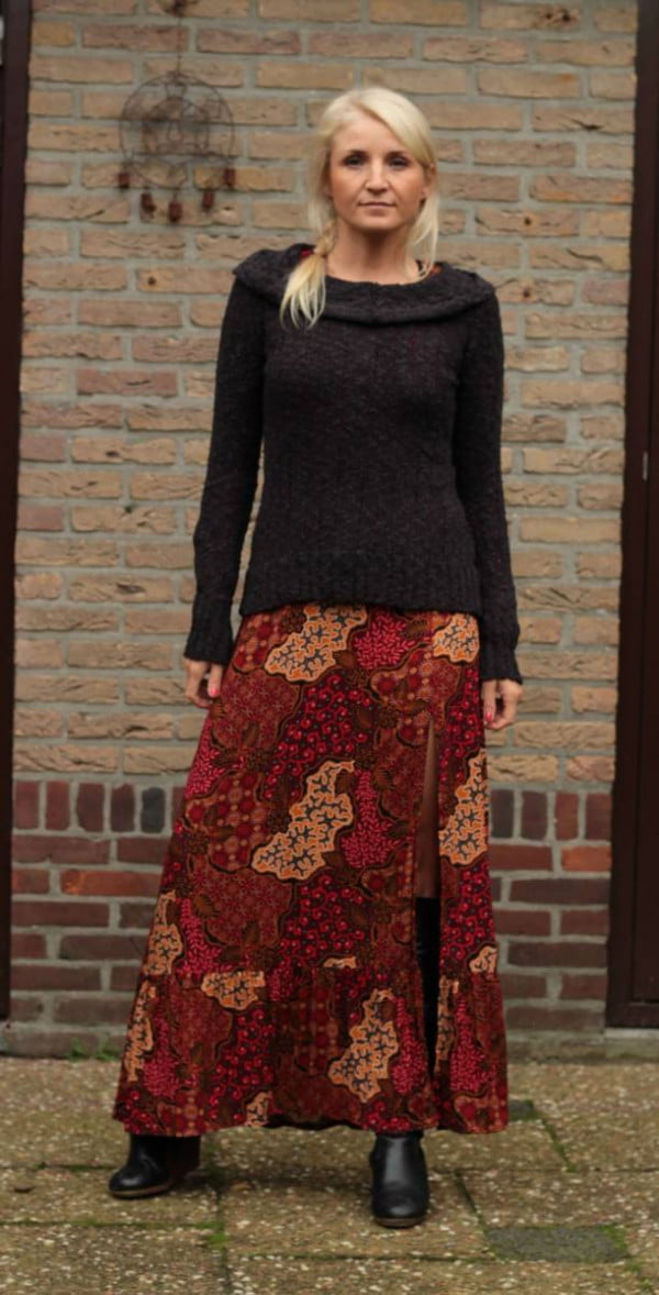 Boho Herbst Outfit Bohkleid lang mit Strickpullover
