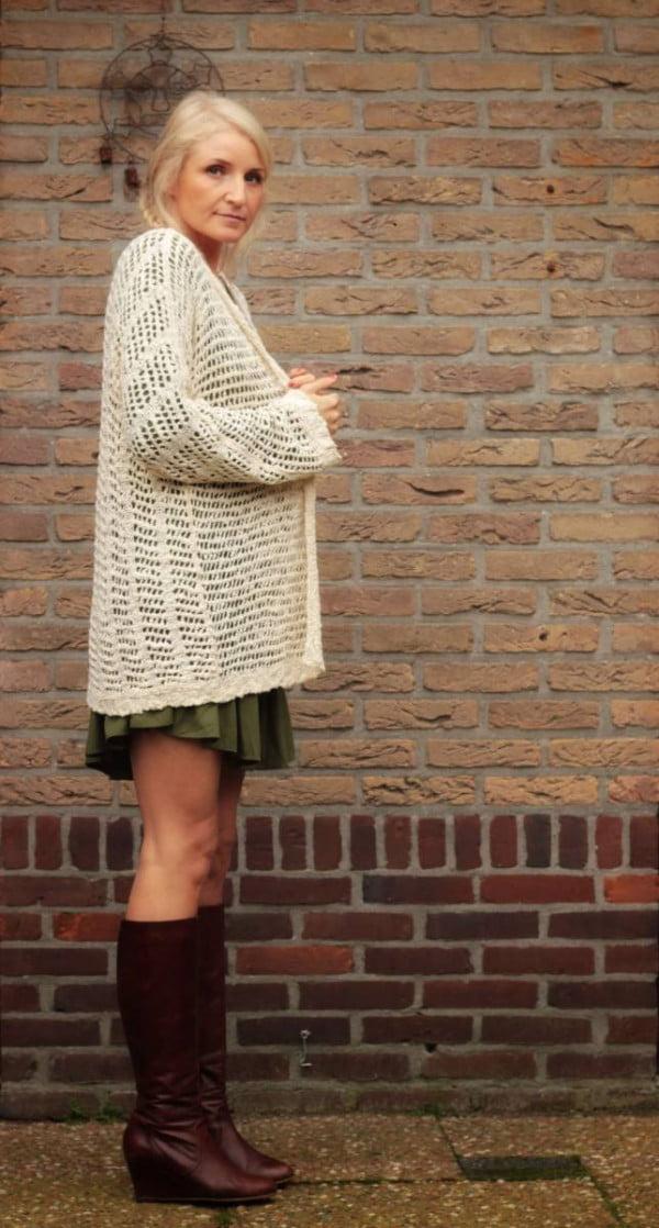 Boho Herbst Outfit Langer Cardigan Netz-Optik Beige Wollweiss Boho Style Shop Boho Herbst Look