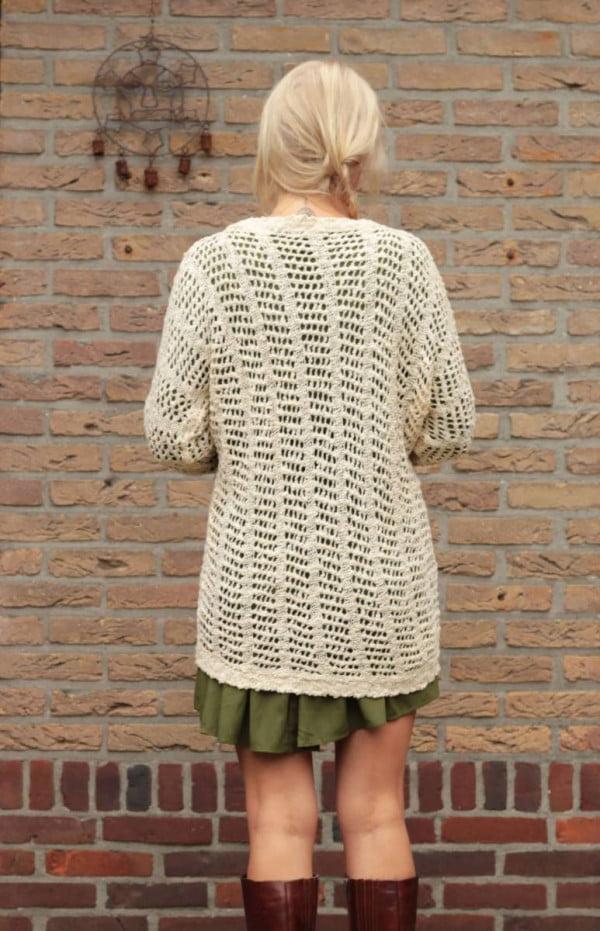 Boho Herbst Outfit Oversize Strickjacke Netz-Optik Beige Wollweiss