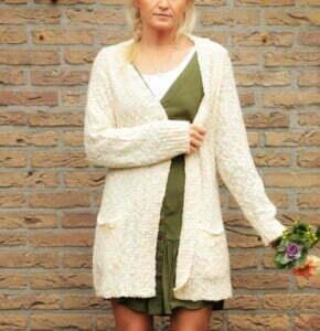 Boho Herbst Outfit Tunika Olivgrün und Oversize Cardigan Wollweiss