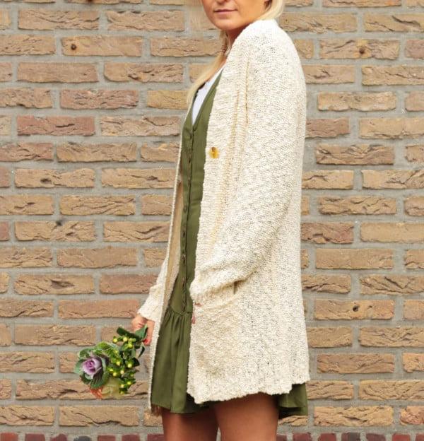 Hippie Herbst Outfit Strickjacke Oversize Beige
