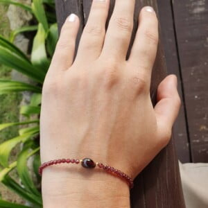Edles Armband Granat Delikat