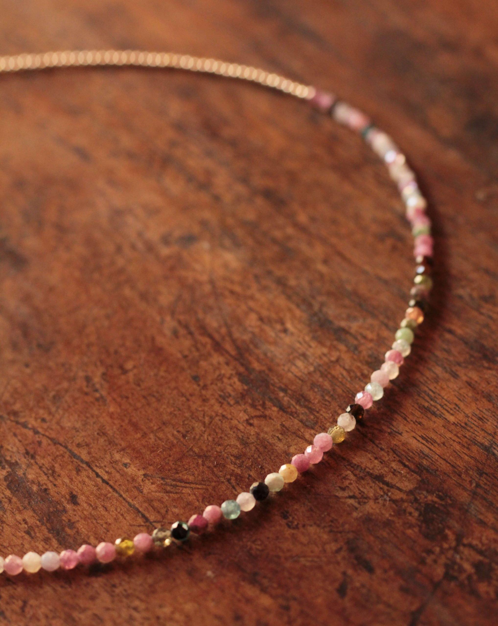 Kurze Halskette vergoldet 18k Bunte Achat Perlen Boho Schmuck