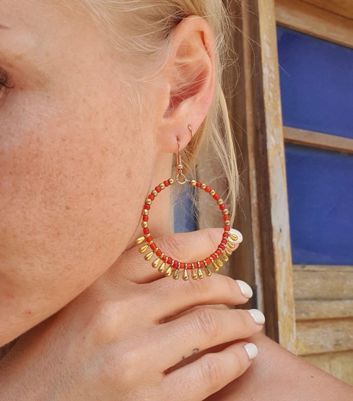 Runde Boho Ohrringe Gold Rot Messing Hippie Schmuck aus Messing