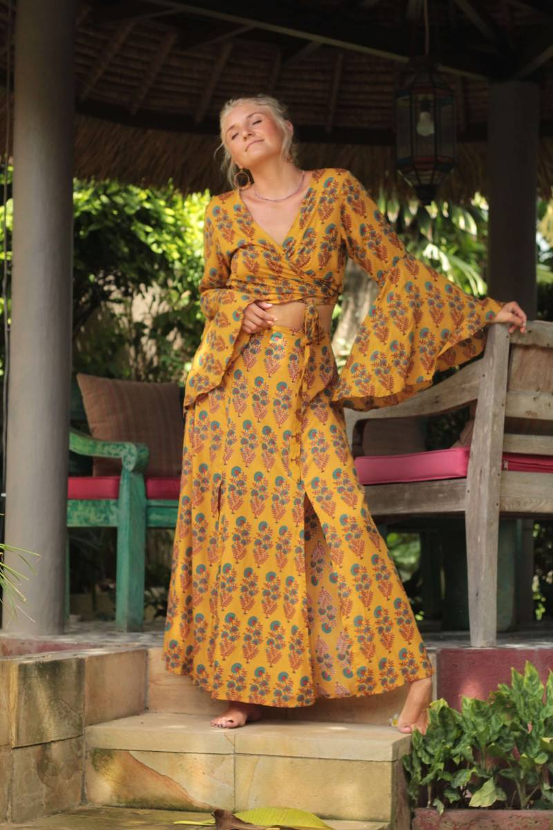 Boho Sommer Outfit Crop Wickelbluse mit Trompetenärmel und Maxirock Zweiteiler Fair Trade Hippie Kleidung