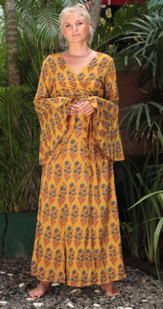 Boho Sommer Outfit Crop Wickelbluse mit Trompetenärmel und Maxirock Zweiteiler Hippie Sommer Outfit