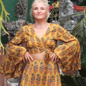 Boho Sommer Outfit Crop Wickelshirt mit Trompetenärmel und Maxirock Zweiteiler