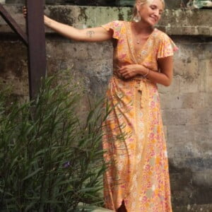 Boho Sommer Wickelkleid geblümt mit Schmetterlingsärmel
