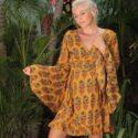Wickelkleid mit langen Trompetenärmeln Senf-Gelb Here Comes the Sun Fair Trade Boho Kleidung
