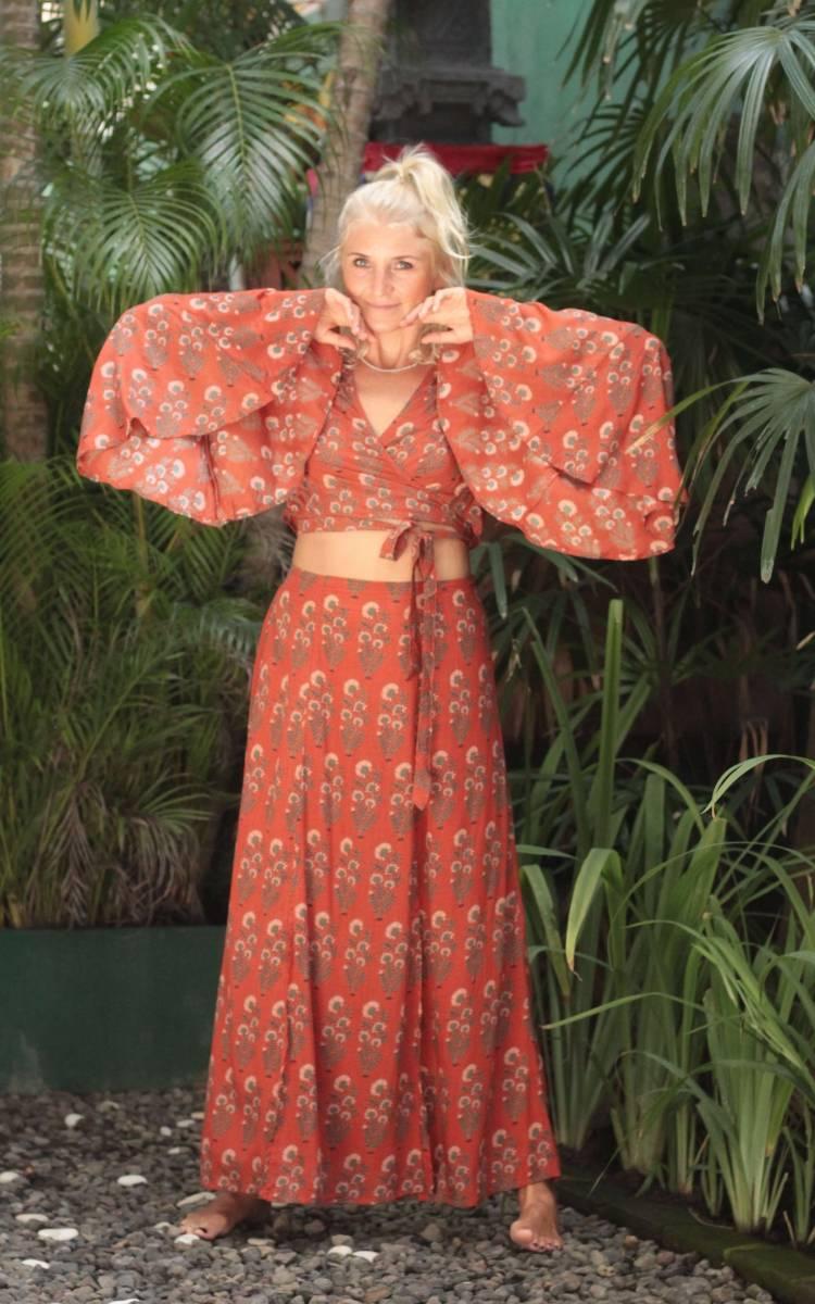 Zweiteiliges Kleid Boho Crop Top mit Trompetenärmeln und Maxirock mit Schlitzen