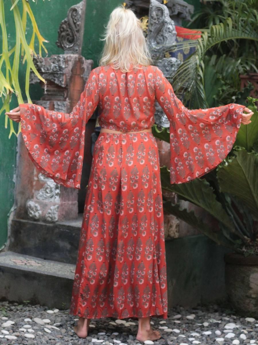 Zweiteiliges Kleid Boho Crop Top mit Trompetenärmeln und Maxirock mit Schlitzen Bohemian Style