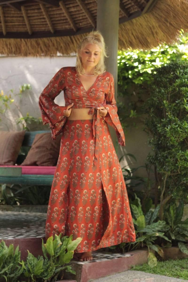 Zweiteiliges Kleid Boho Crop Top mit Trompetenärmeln und Maxirock mit Schlitzen Gypsy Chic Sommer Style