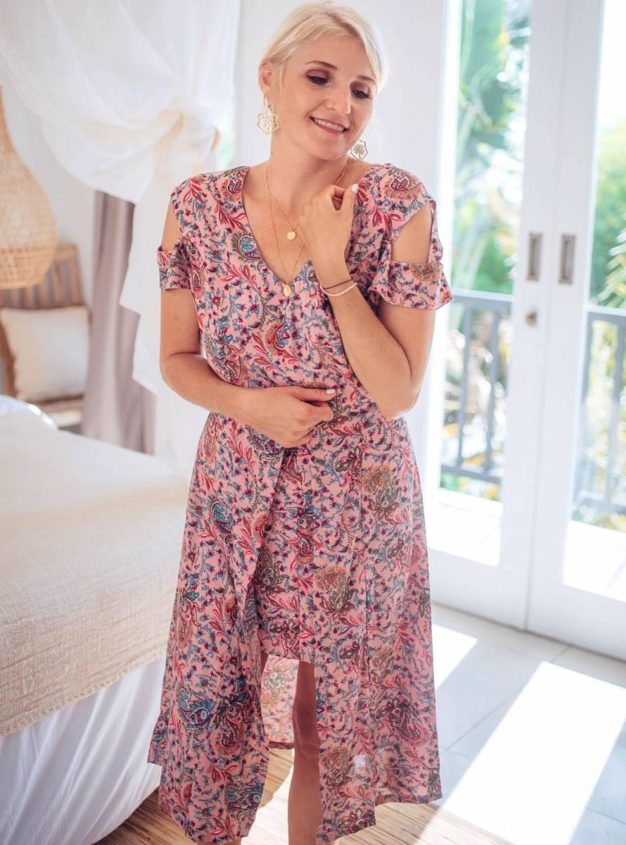 Boho Kleid Knielang in der Farbe Altrosè kurze Ärmel mit Cut Outs Asymmetrisch geschnitten