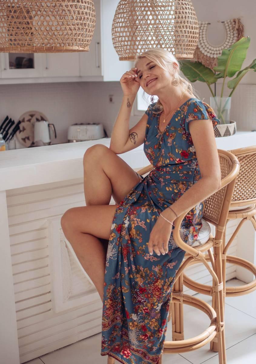 Boho Maxi Kleid Blau Blumenmuster Tiefer Rückenausschnitt