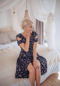 Cut Out Kleid Knielang mit Blumen Boho Sommer Kleid