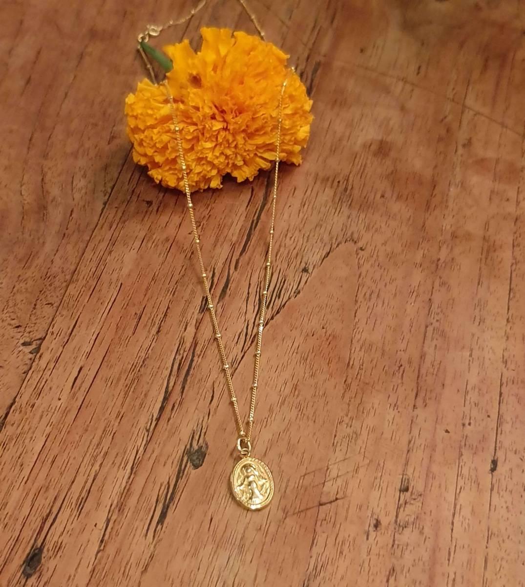 Madonna Halskette vergoldet Heilige Maria Anhänger Gold Schutz Kette Boho Style