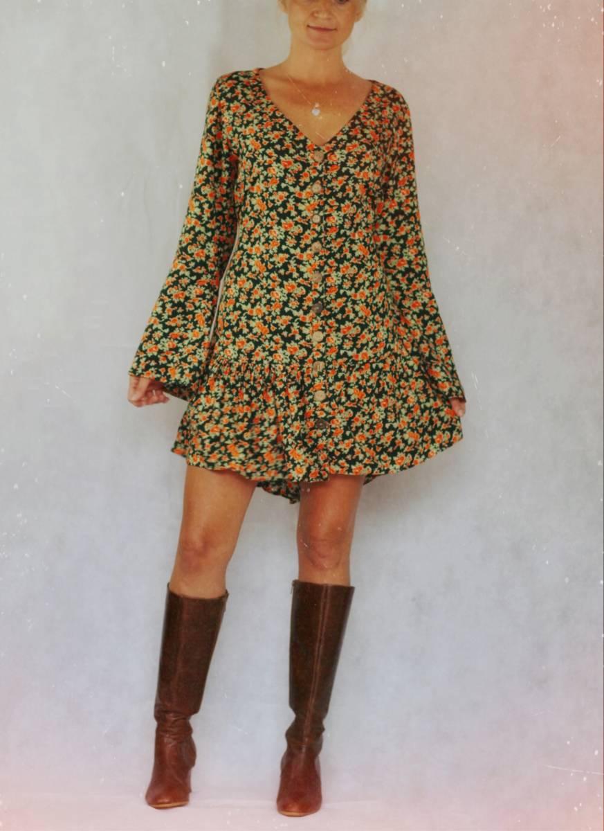 Blumen Mini Kleid mit Boots