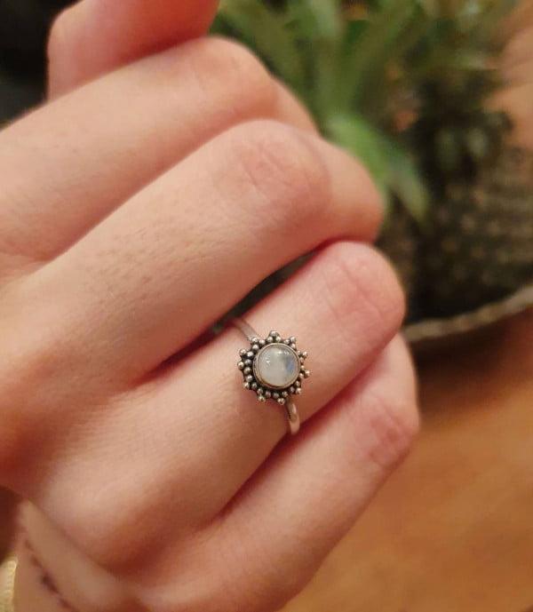 Feiner Ring Sonne aus Silber 925 Handgefertigt in Bali Mondstein Bohemian Style