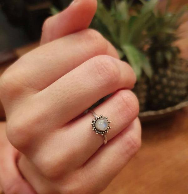 Feiner Ring Sonne aus Silber 925 Handgefertigt in Bali Mondstein Hippie Style