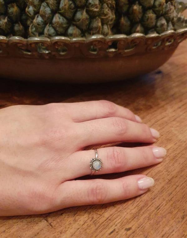 Filigraner Ring Sonne aus Silber 925 Handgefertigt in Bali Edelstein Mondstein