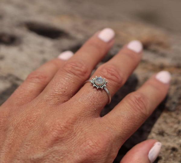 Mondstein-Ring Fein Silber