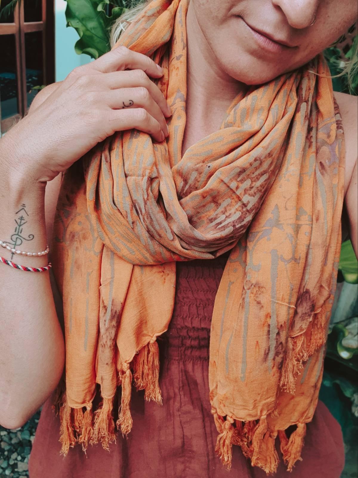 Hippir BAtik Tuch Orange Sarong